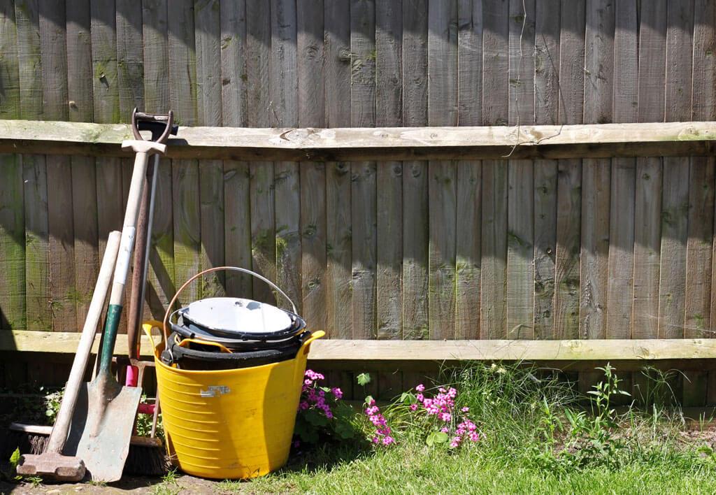 shovels-fence