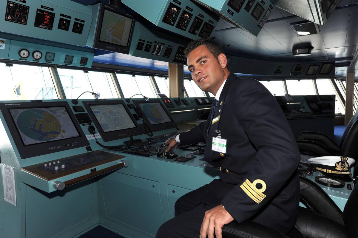Cruise-ship-captain-62666