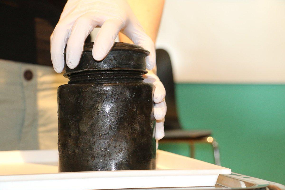 kronan shipwreck black jar