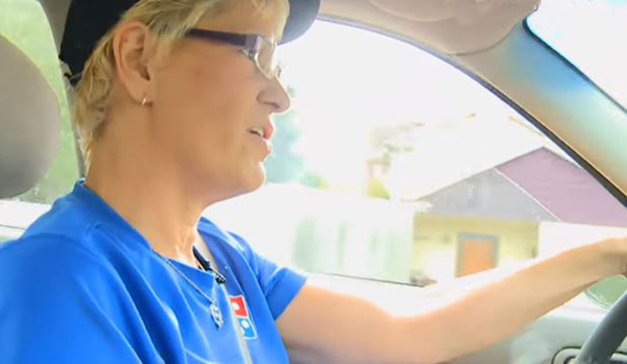 pizza-delivery-driver-heartwarming-story-06-33777