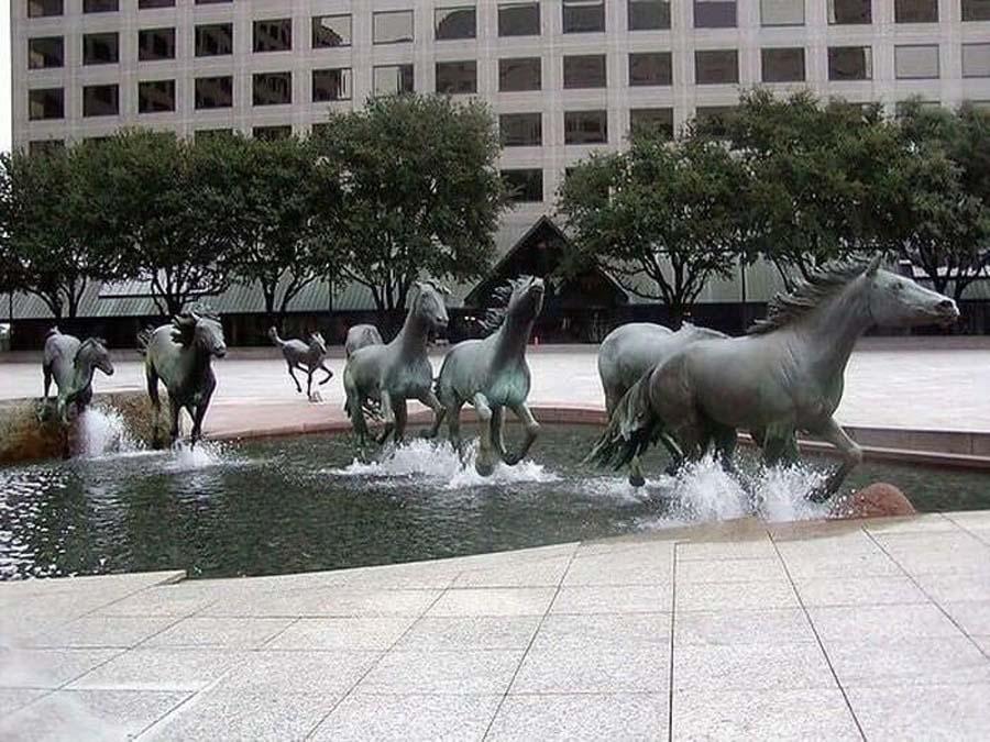 horse-fountain-21306-83086