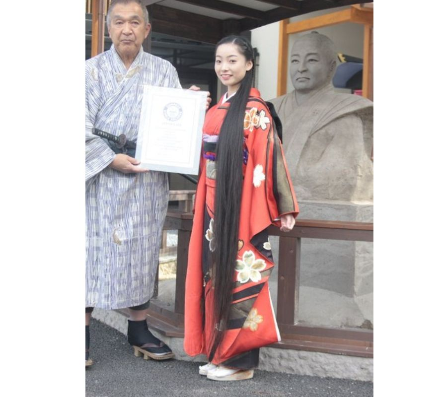 Kimono Girl with Guiness Record