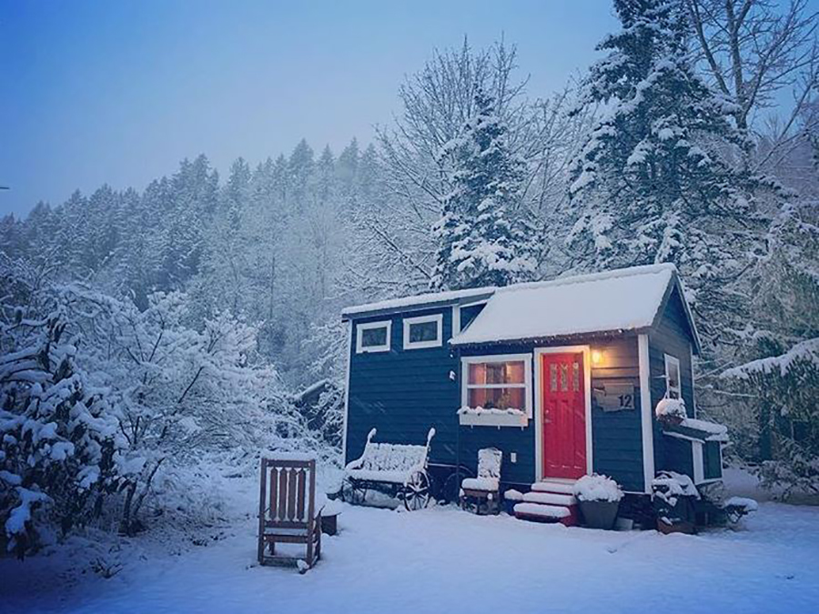 tiny house in winter with little maintenance