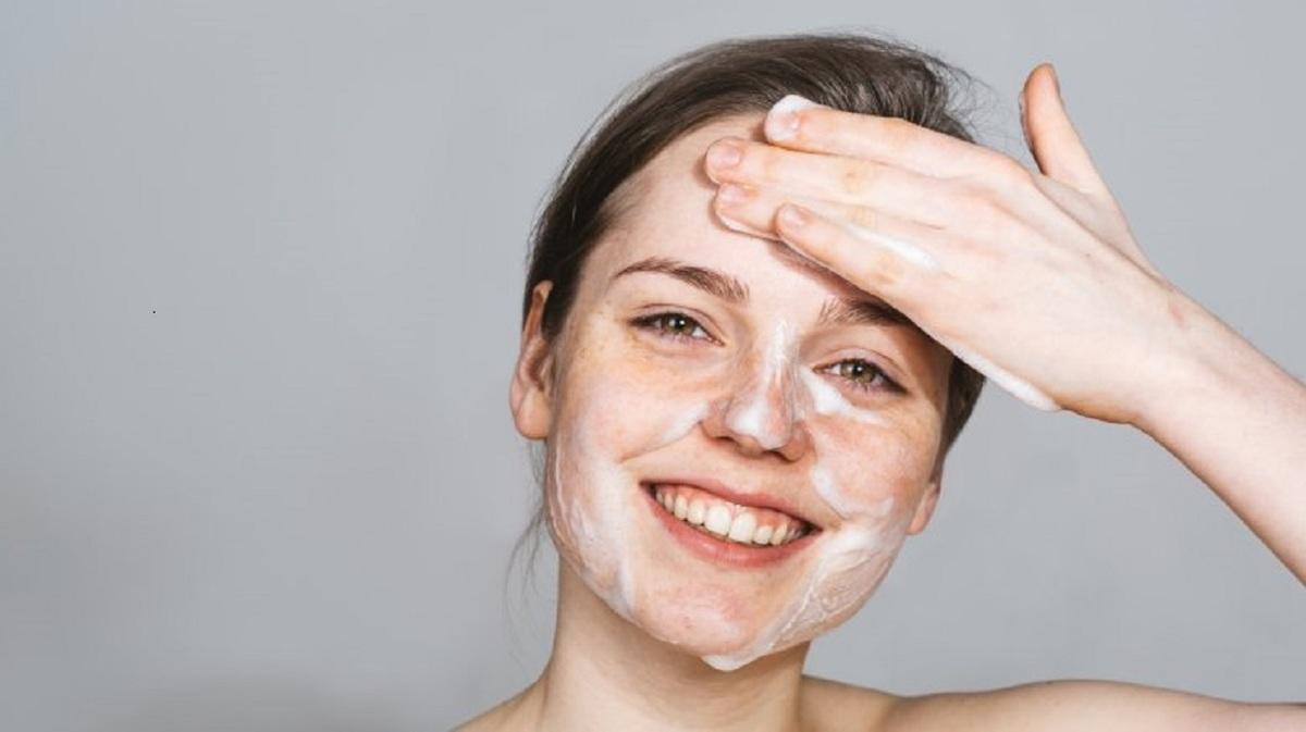 washing-face-31631
