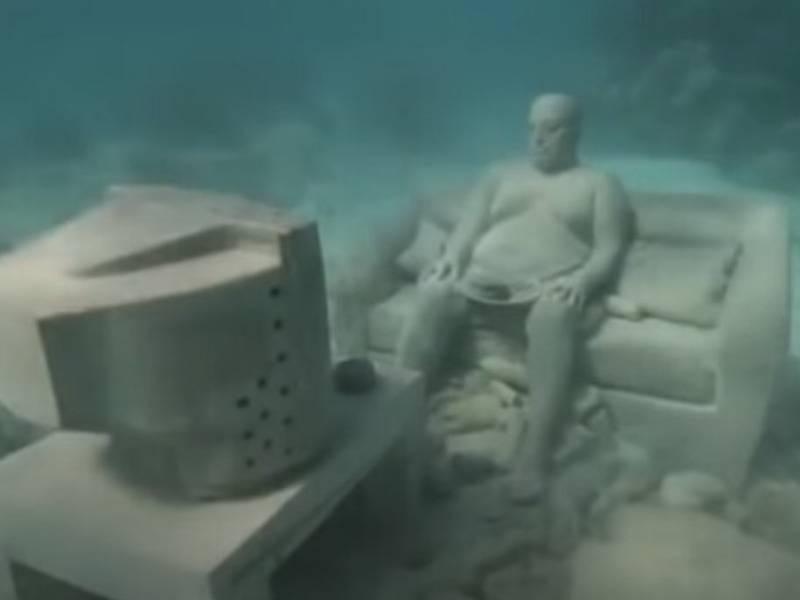 relaxing TV guy