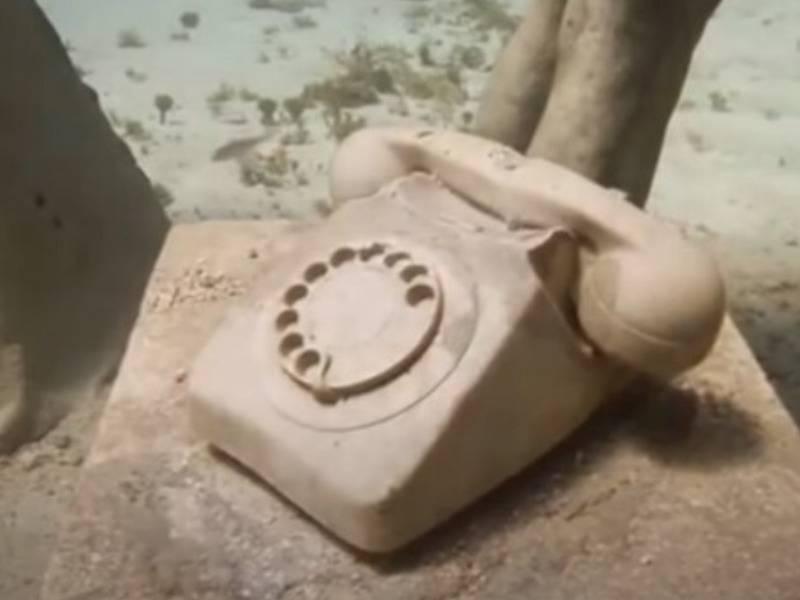 telephone sculpture