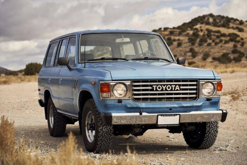 1984_FJ60_Toyota_Land_Cruiser_002-1500x1000