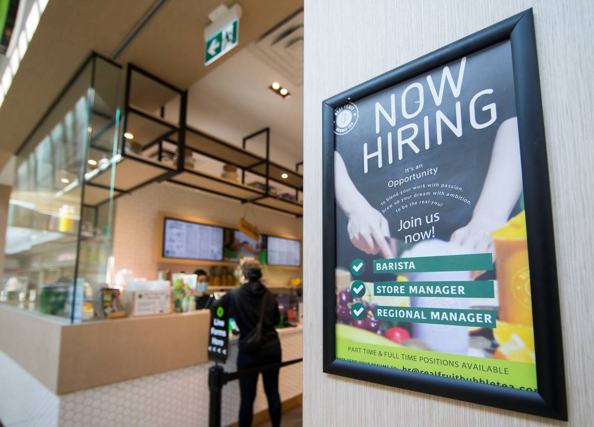 CANADA-ONTARIO-MISSISSAUGA-UNEMPLOYMENT RATE-FALLING