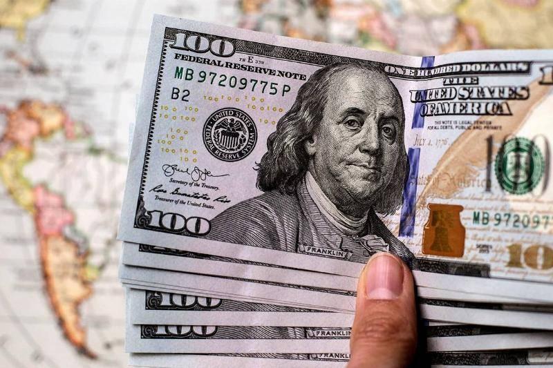 100 Bills Were Found In The Third Package