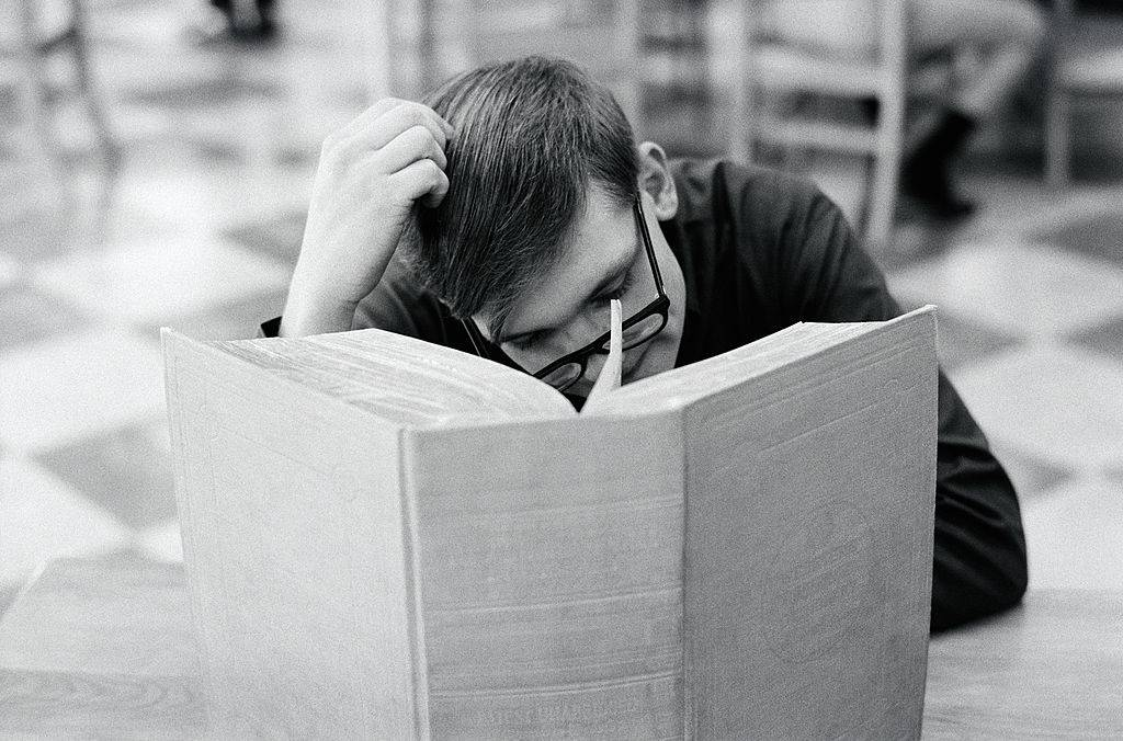 Picture of man reading