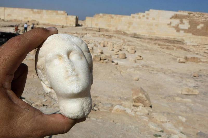 ancient-statue-19-85309