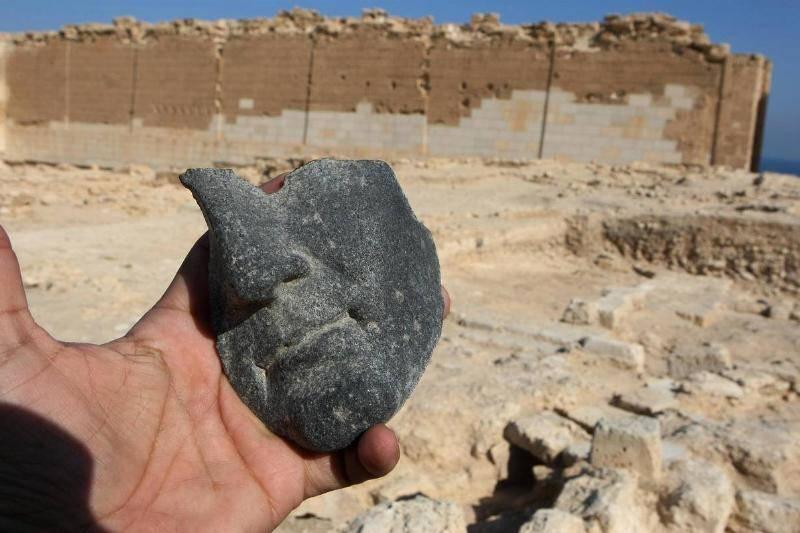 ancient-statue-20-59384