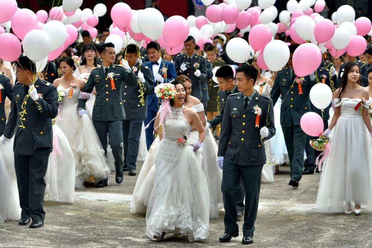 TOPSHOT-TAIWAN-GAY-MARRIAGE-MILITARY