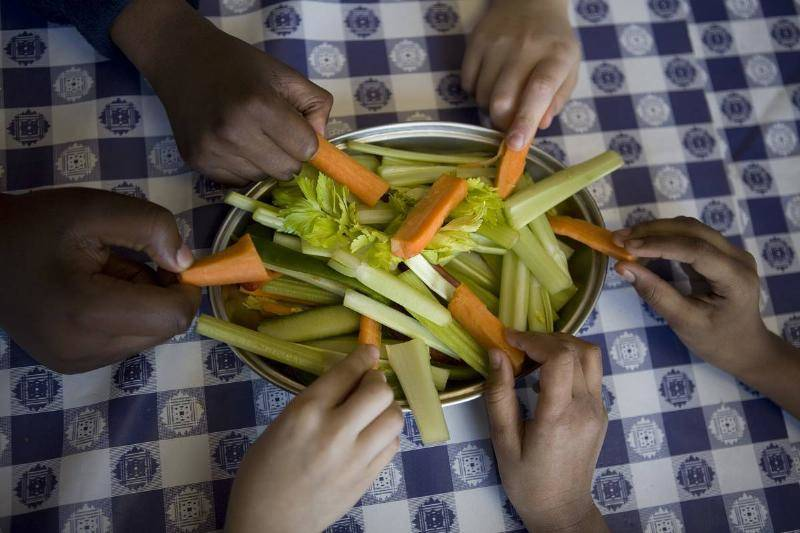 carrots-and-celery-593276166-60093