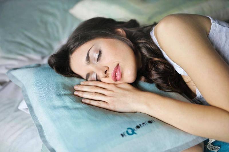 side-sleeping-62902